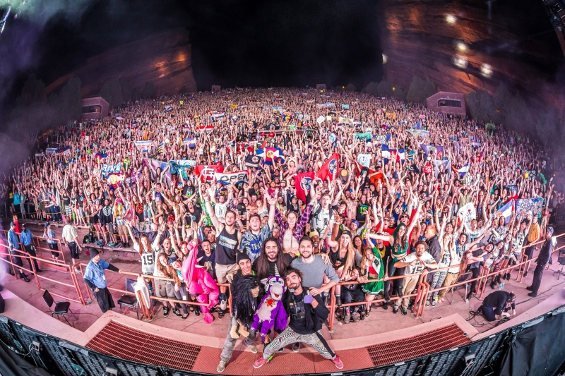 bassnectar-familyphoto-20150601-alivecoverage (2)